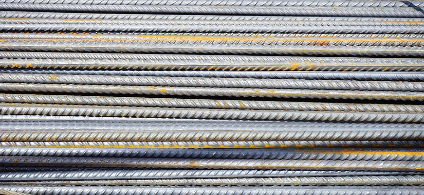 What's the difference between metal iron and steel?
