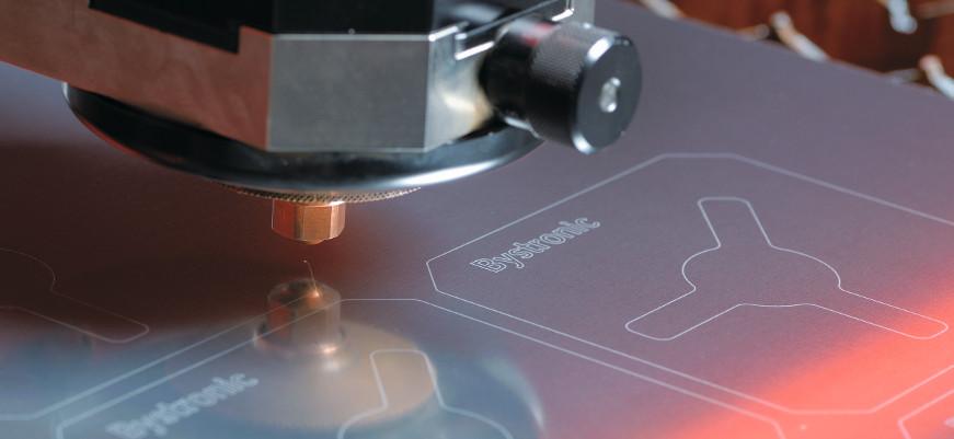 Reflective metals laser cutting